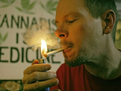 marijuana-makes-us-feel-good What Marijuana Does To Your Body And Brain