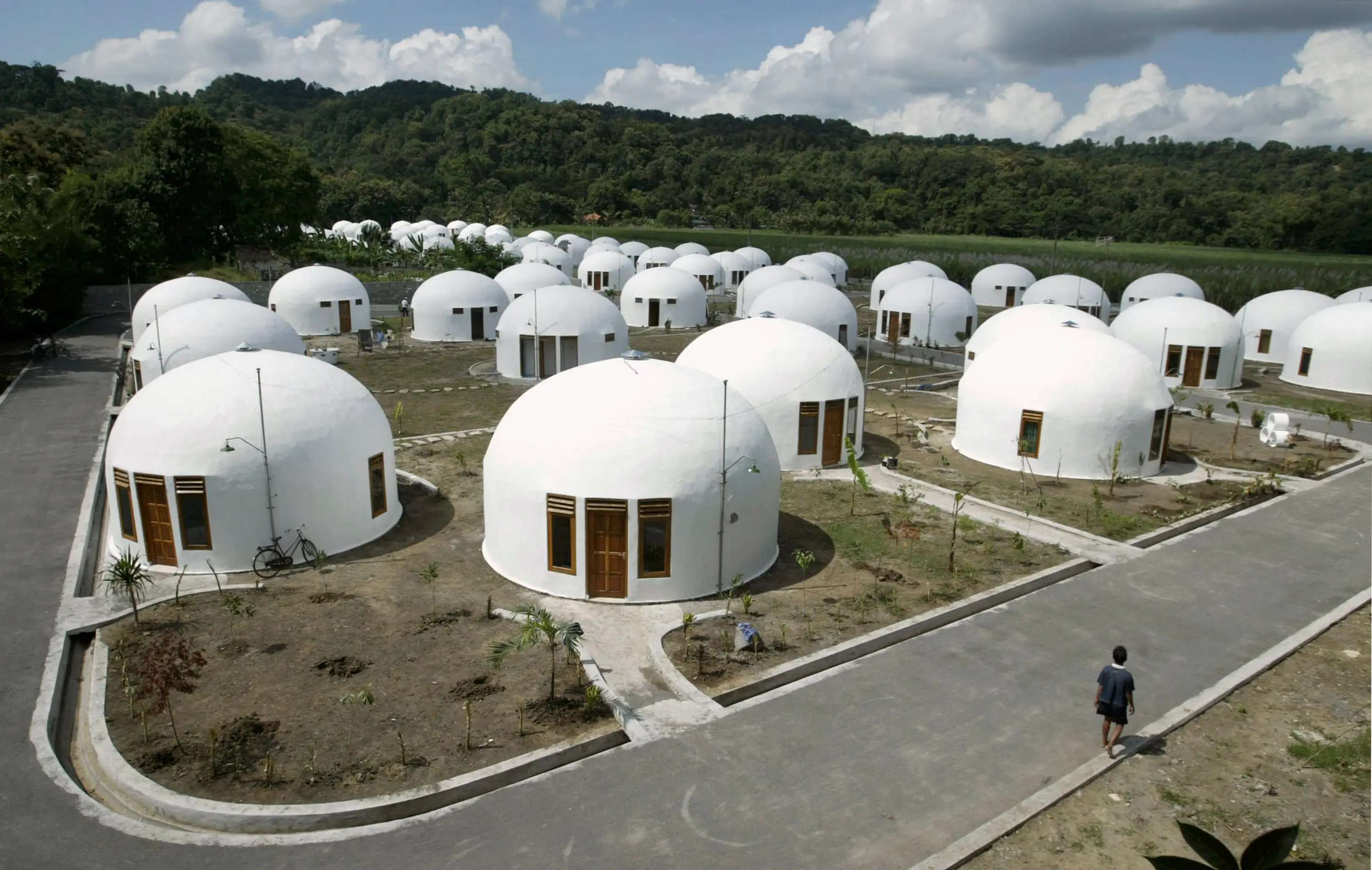 70 dome houses were built for villagers who lost their houses to an earthquake in Indonesia's ancient city of Yogyakarta. The monolithic domes can withstand earthquakes and winds up to 190 mph.
