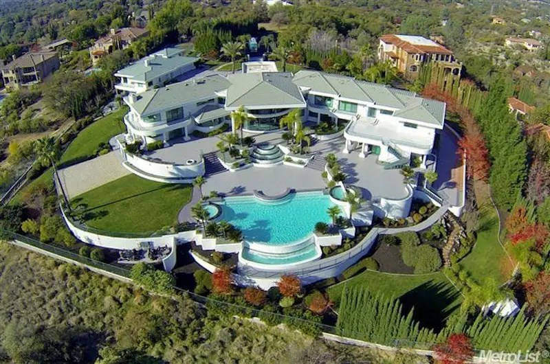 The mansion is situated on 2 and a half acres of land in the Granite Bay suburb of Sacramento.