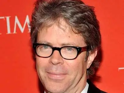 Jonathan Franzen works with a blindfold to keep his concentration.
