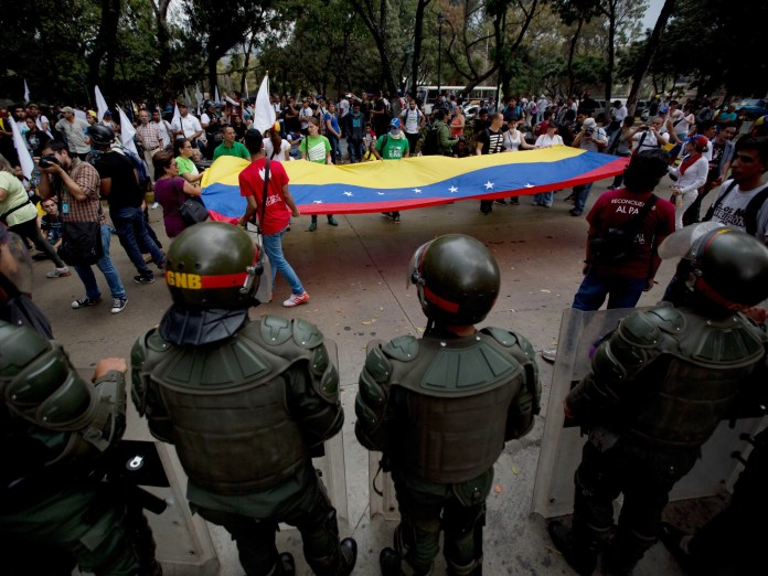 Venezuela Colombia deportations protests