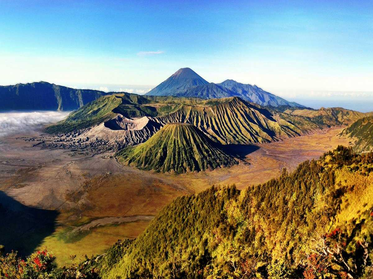 Explore the almost 45 active volcanoes in Java, Indonesia.
