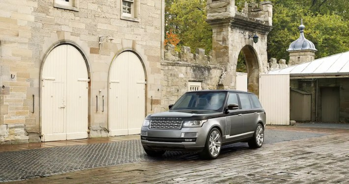 7. Land Rover has taken its flagship design and added luxurious perks to create the 2016 SVAutobiography.