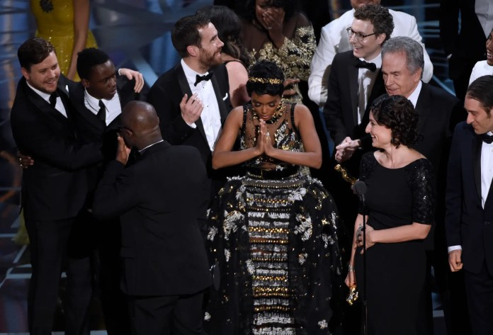 "Among all of the chaos on the Oscar stage during the best picture win, ""Moonlight"" actress Janelle Monae found a moment to pray."