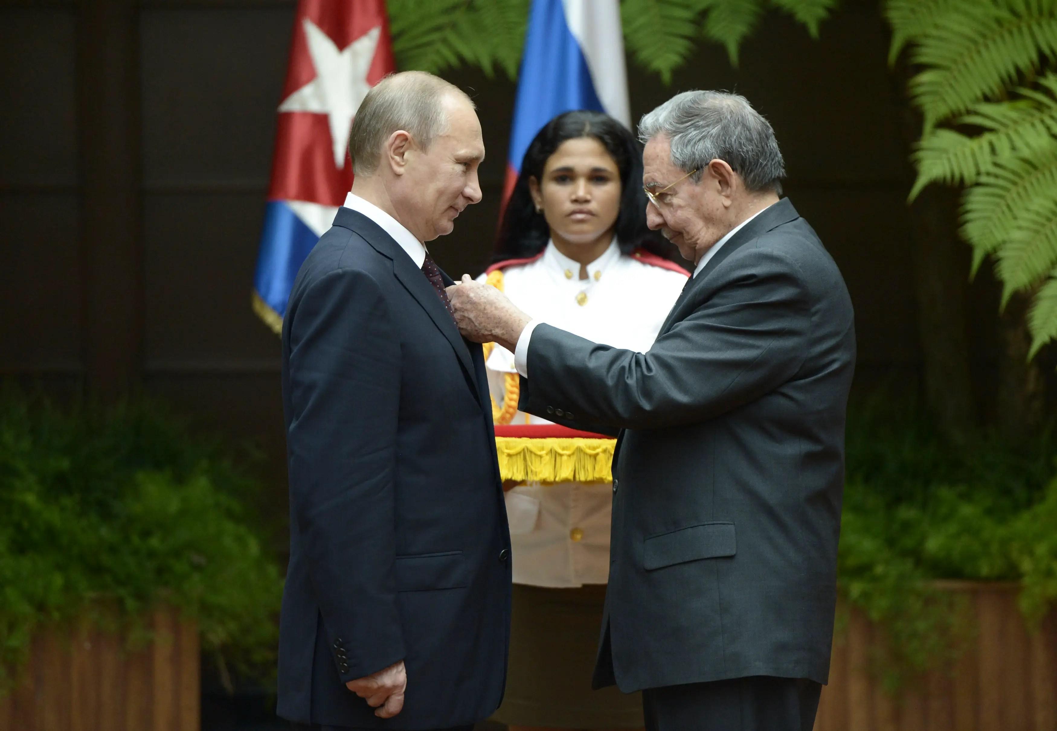 Russia Cuba Vladimir Putin Raul Castro