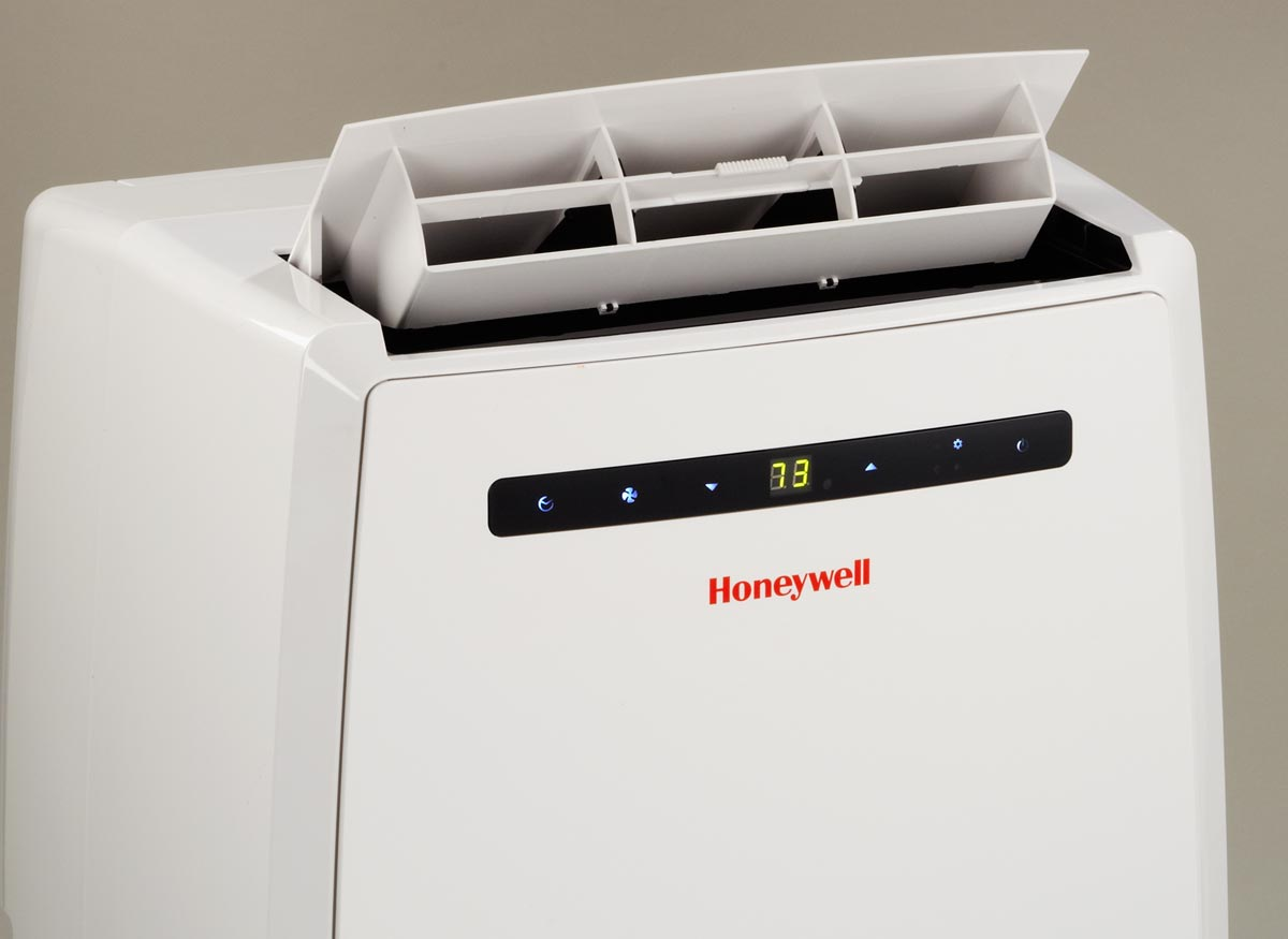 Photo of an air conditioner on dehumidifying mode.