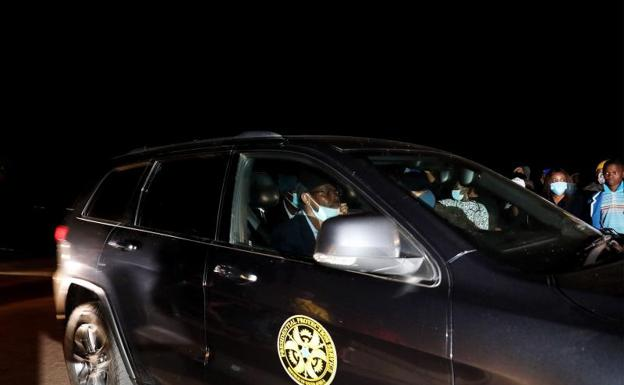 A car from the Presidential Protective Service convoy transporting former South African President Jacob Zuma