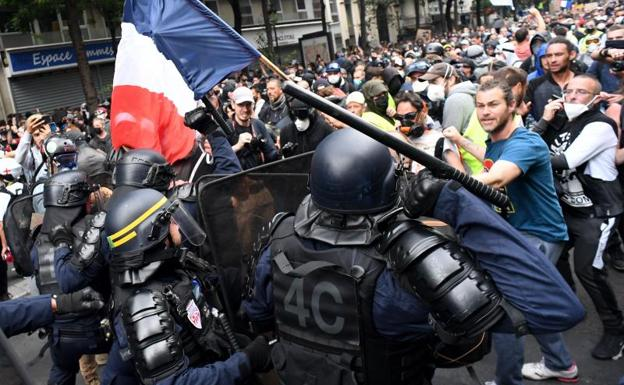 The security forces were forced to act forcefully in Paris in the face of the violence of some protesters.