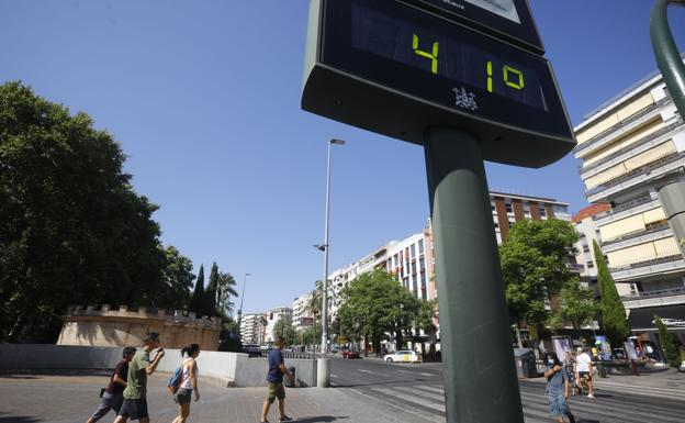 First heat wave of the year with up to 45 degrees in Andalusia.