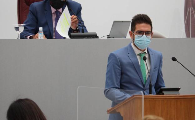 Antonio José Espín in the Regional Assembly.