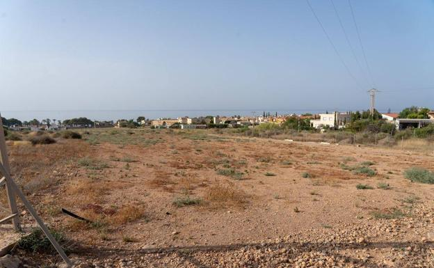 Area where the motorhome parking will be located, in Isla Plana.