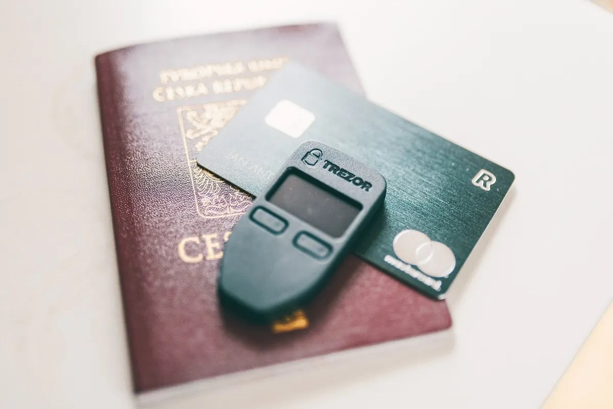 Cryptocurrency hard wallet by Trezor