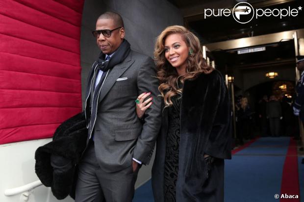 Beyoncé e Jay-Z estariam interessados em comprar o rancho Neverland, que pertencia a Michael Jackson, segundo fontes do jornal americano 'New York Post', neste domingo, 17 de fevereiro de 2013