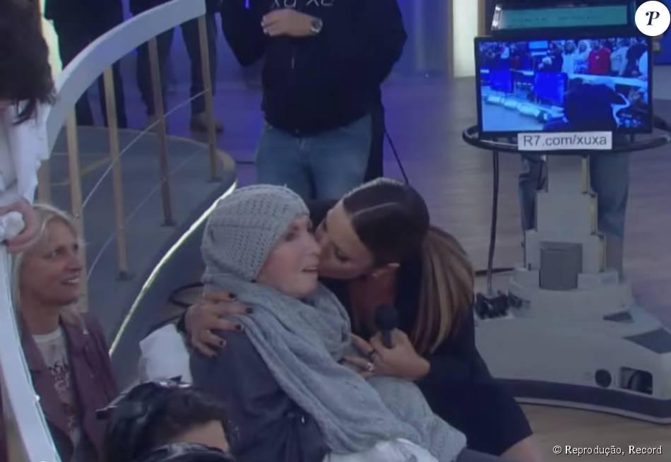 Ivete Sangalo arrancou sorrisos de Dona Alda, mãe de Xuxa