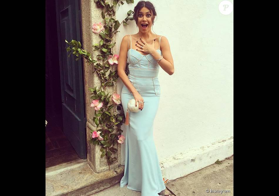 Thaila Ayala apostou no vestido Badgley Mischka e bolsa Isla para ser madrinha do casamento de Sophie Charlotte e Daniel de Oliveira