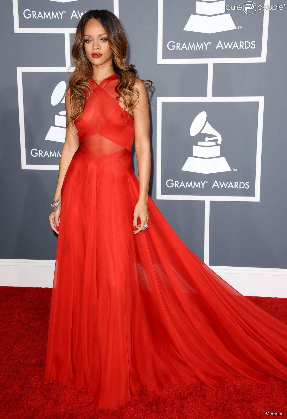 Resultado de imagem para Rihanna looks festa