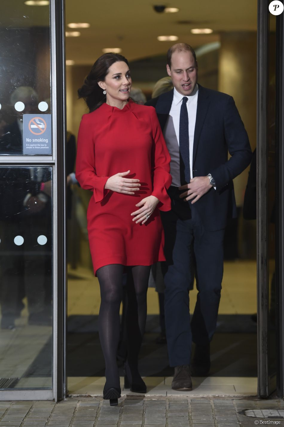 Le prince William, duc de Cambridge, et Catherine Kate Middleton, duchesse de Cambridge (enceinte) lors du Children's Global Media Summit à Manchester le 6 décembre 2017.