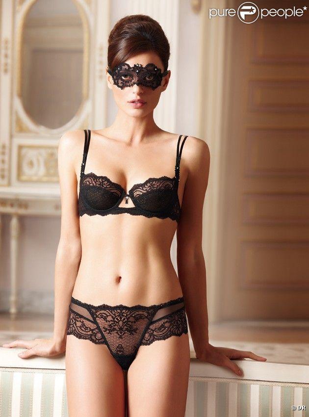 La sexy Catrinel Menghia pose pour Lise Charmel.