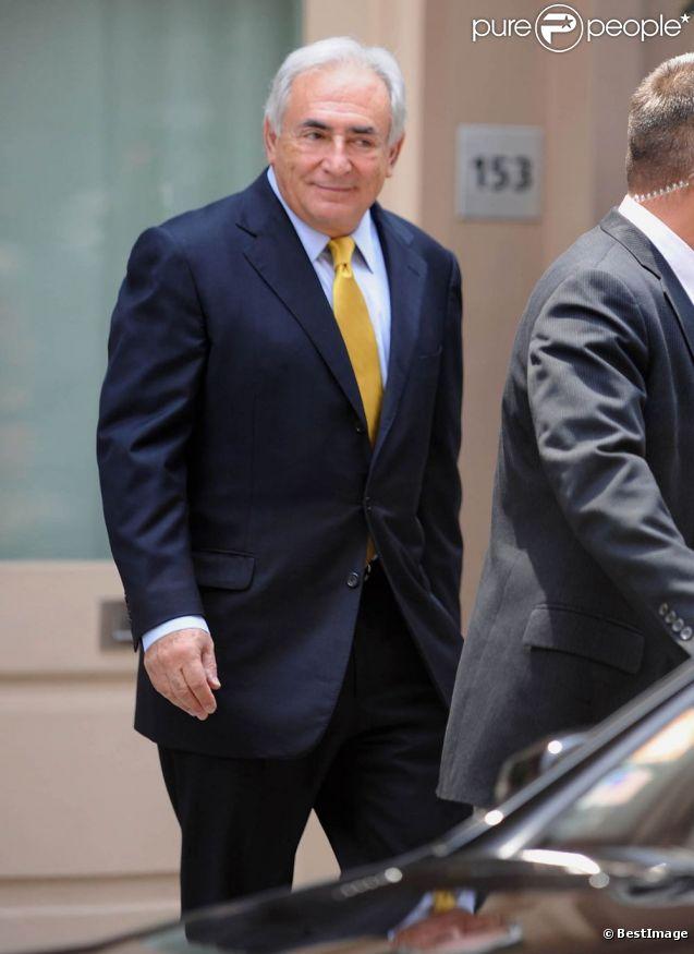 Dominique Strauss-Kahn après la rénion avec ses avocats et le bureau du procureur, à New York, le 6 juillet 2011.