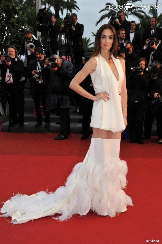 Paz Vega en création Stéphane Rolland lors du Festival de Cannes, le 18 mai 2013.