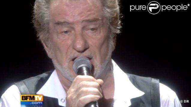 Eddy Mitchell fait ses adieux à la scène à l'Olympia. Images BFMTV du concert du 3 septembre 2011.