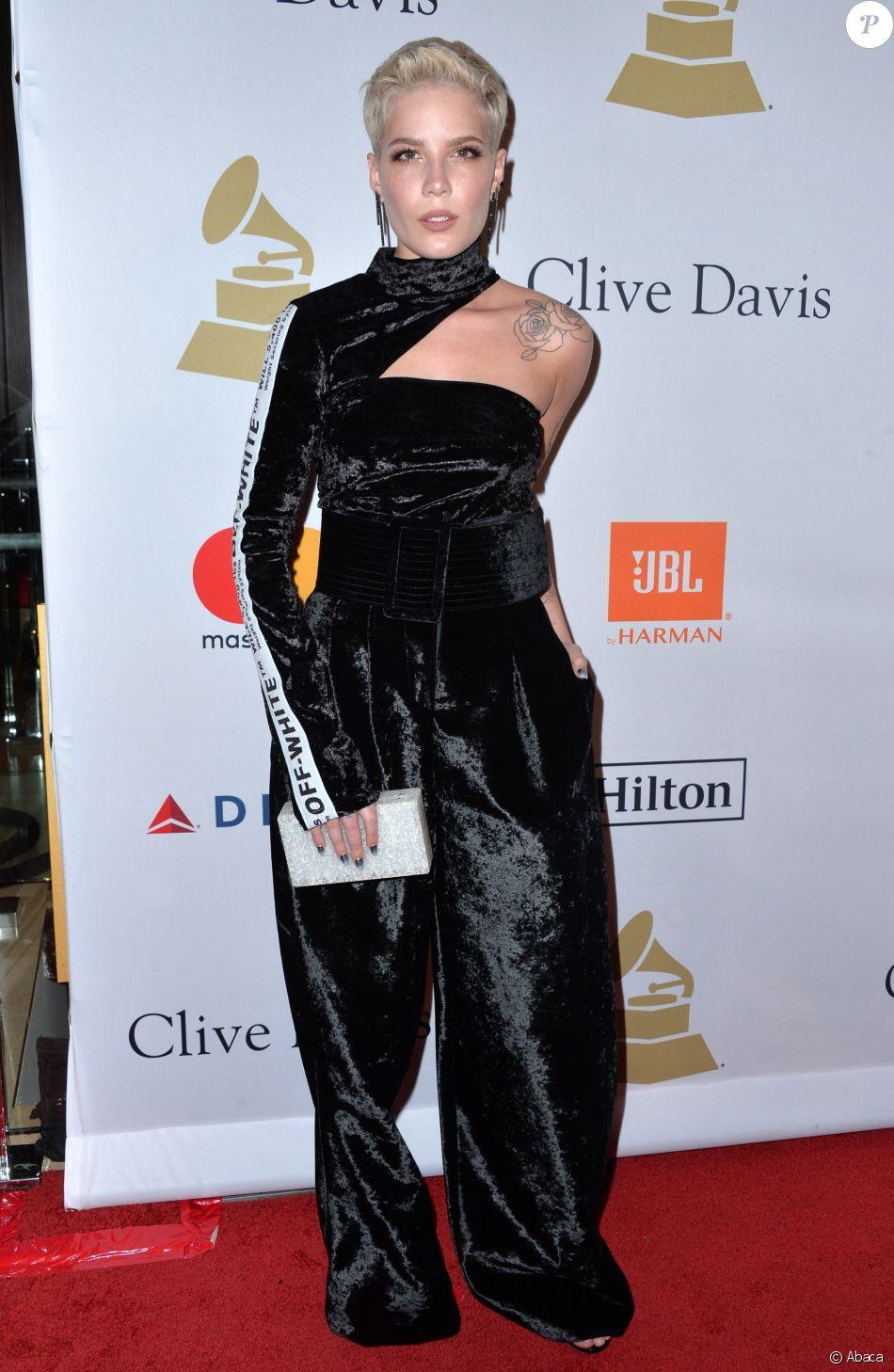 Halsey- Soirée pré-Grammy Awards de la fondation Clive Davis (à l'honneur de Debra Lee, président du conseil et PDG de BET) au Beverly Hilton. Beverly Hills, Los Angeles, le 11 février 2017.