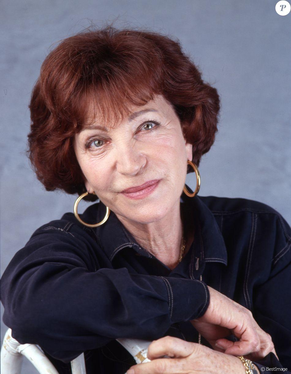 Maria Pacôme, portrait non daté. La comédienne, populaire notamment en raison de ses rôles comiques sur les planches et au cinéma (Les Sous-Doués), est morte à 94 ans le 1er décembre 2018.