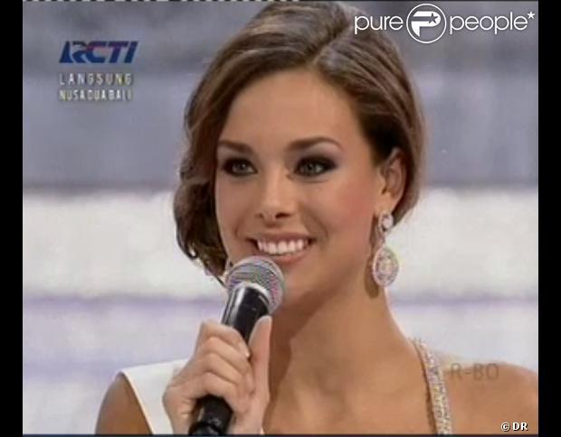 Marine Lorphelin, Miss France 2013, sublime lors de l'élection Miss Monde 2013 le 28 septembre 2013 à Bali