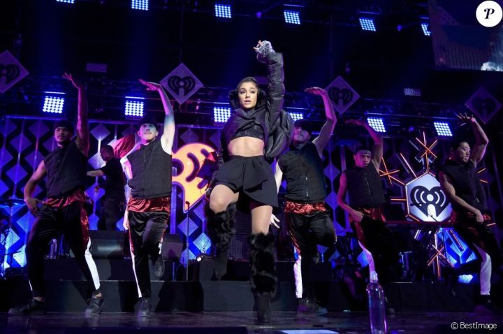 """Ariana Grande - Show - Evening """"Z100 's Jingle Ball 2016"""" at Madison Square Garden in New York, on December 9, 2016."""