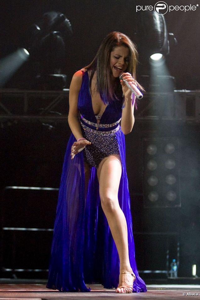La petite Selena Gomez rivalise avec les plus grandes stars lorsqu'il s'agit de jambes fuselées...