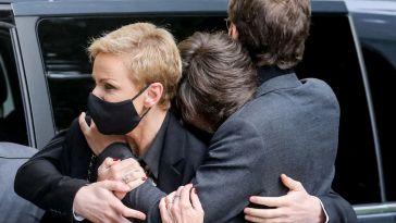 Obsèques d'Yves Rénier : sa femme Karin éprouvée mais soutenue par ses fils, le clan fait face