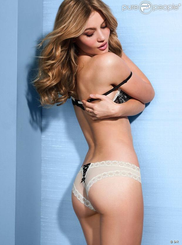 Caroline Corinth, jeune et audacieuse, pose en petite tenue pour Victoria's Secret.