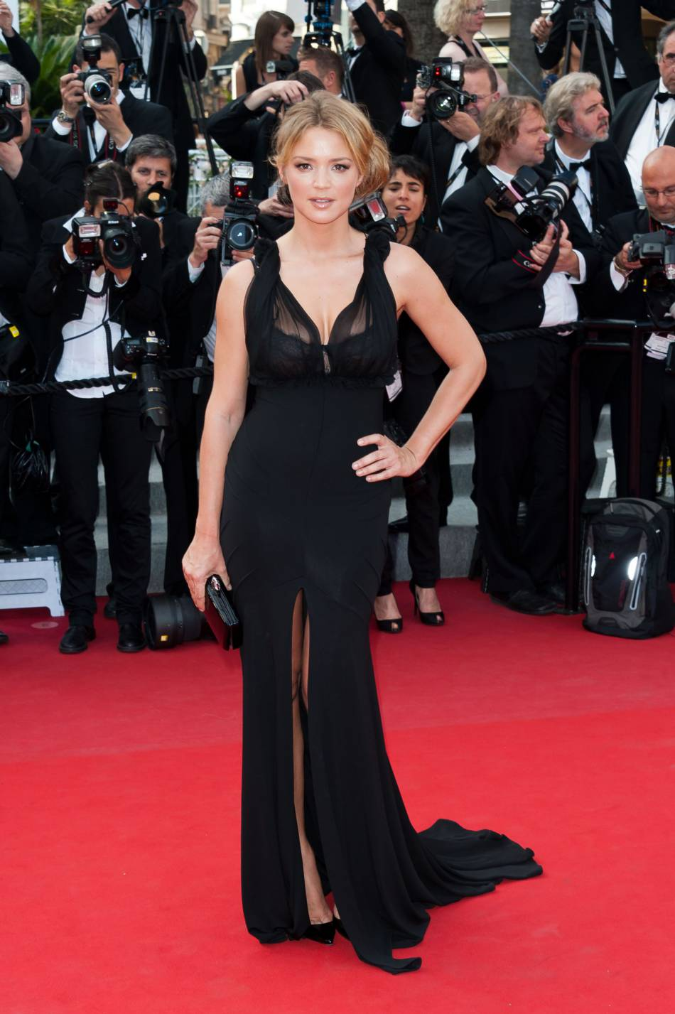 virginie efira affolait le tapis rouge