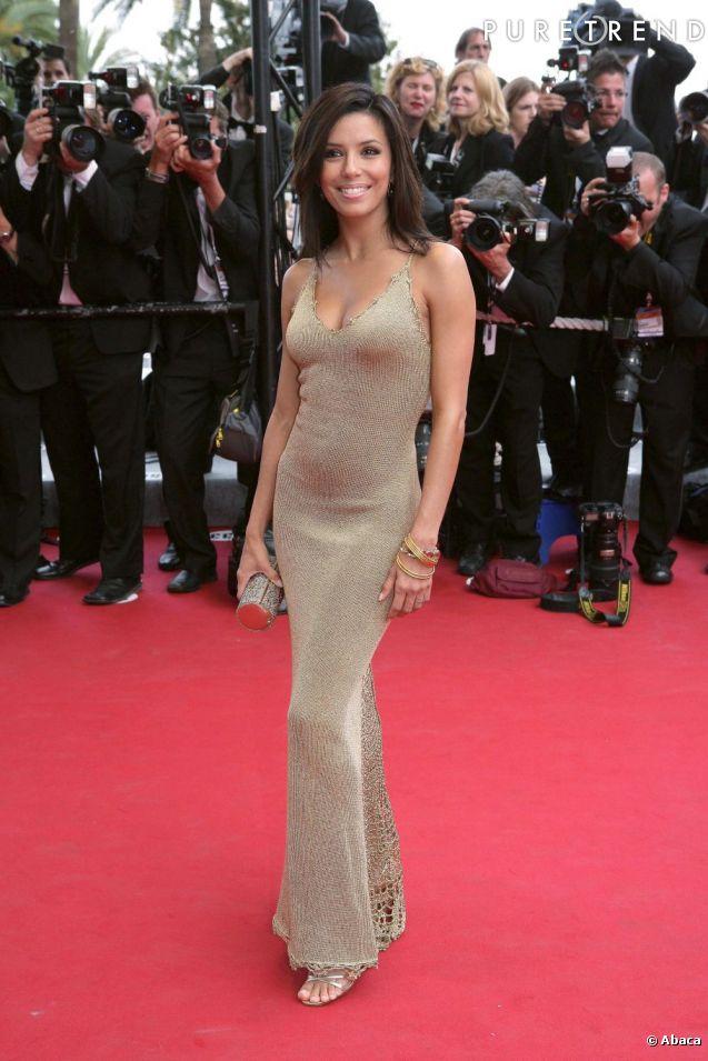 """En 2005, première apparition cannoise d'Eva Longoria, elle vient tout juste de commencer """"Desperate Housewives"""" et n'est pas vraiment une star très connue en France mais elle en affiche déjà tout le potentiel."""