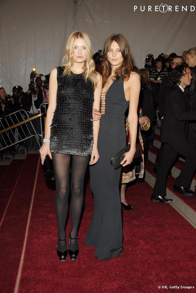 Source: http://www.puretrend.com/media/daria-werbowy-and-lily-donaldson-