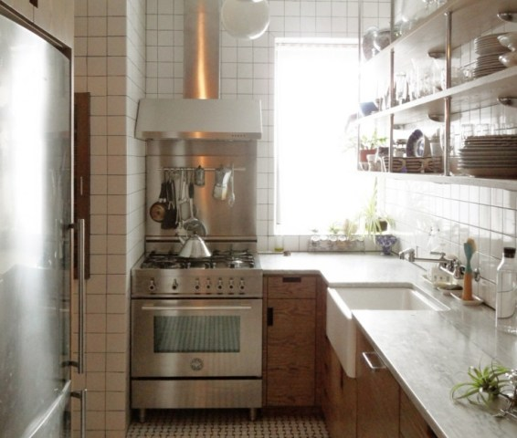 A Small New York City Apartment Kitchen Is Made Light  Bright     In this article about how to best nbsp live nbsp large in a small space
