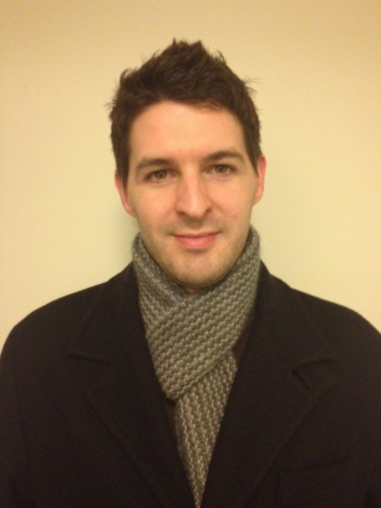 Dave wearing the Cerus Scarf by Hilary Smith Callis.  Knit with Aslan Trends yarn.