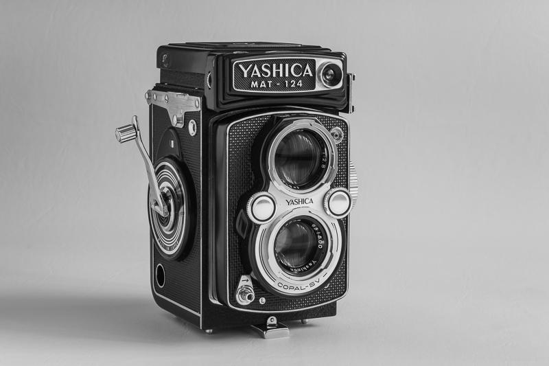 Yashica MAT-124 (1968)
