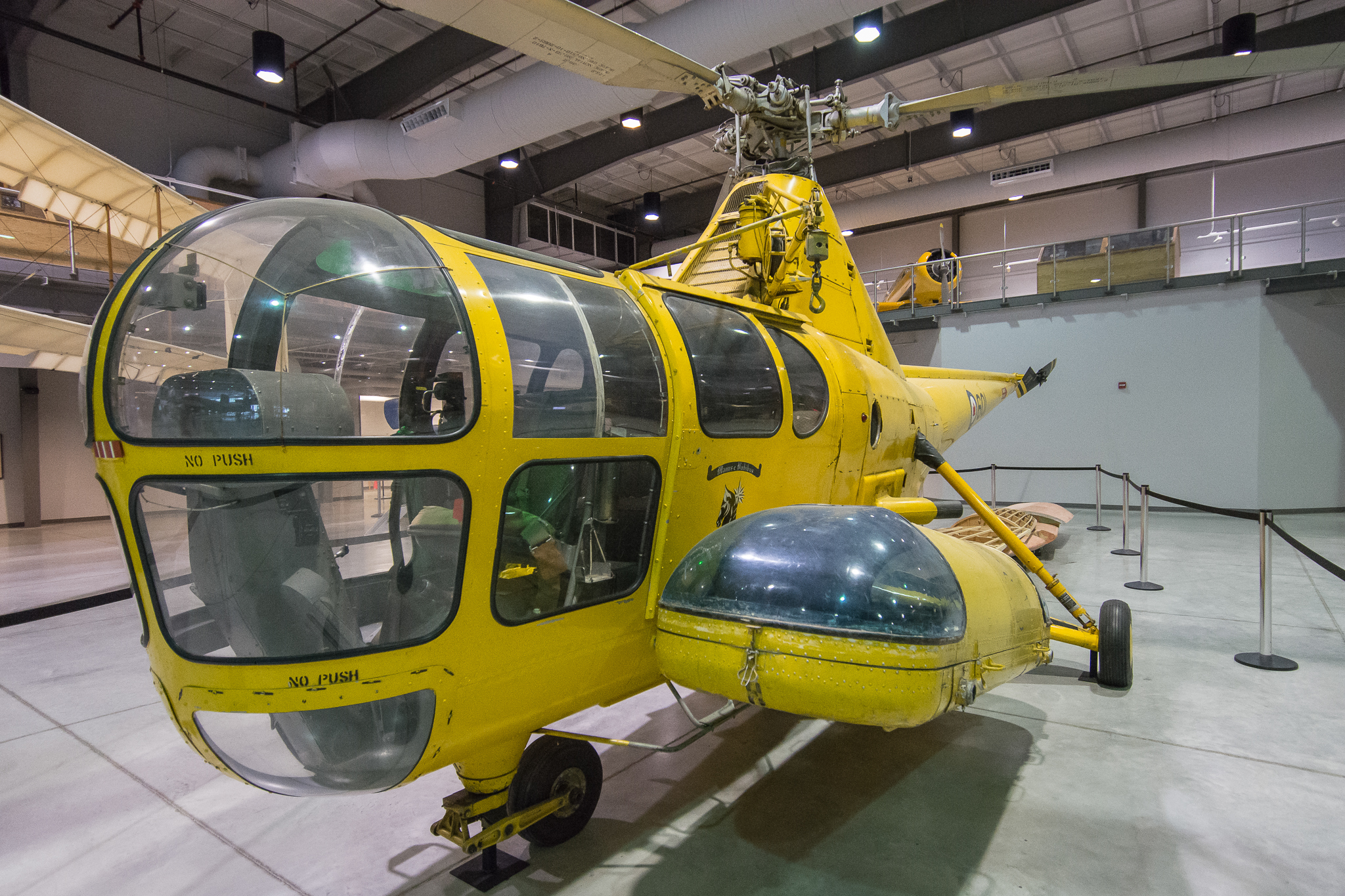 Sikorsky H-5 (1/125s, f/4, ISO3200)