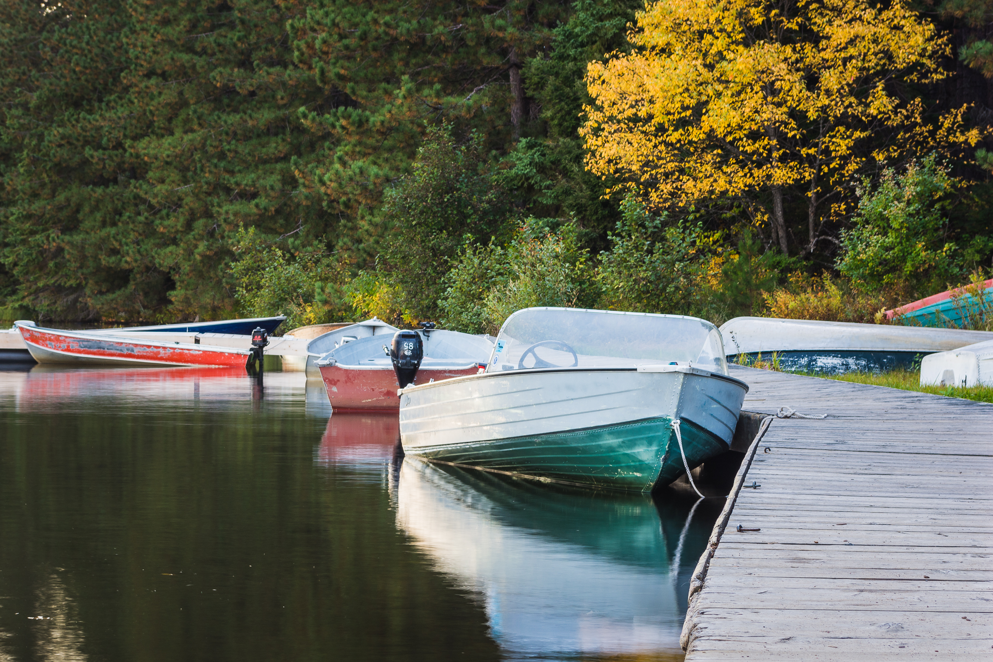 Boat Dock at Cache Lake (0.8s, f/11, ISO100)
