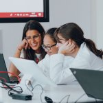 Greenlight For Girls Connects 3 Solutions To The Challenge Of Virtual Stem Study And Motivation Greenlight For Girls