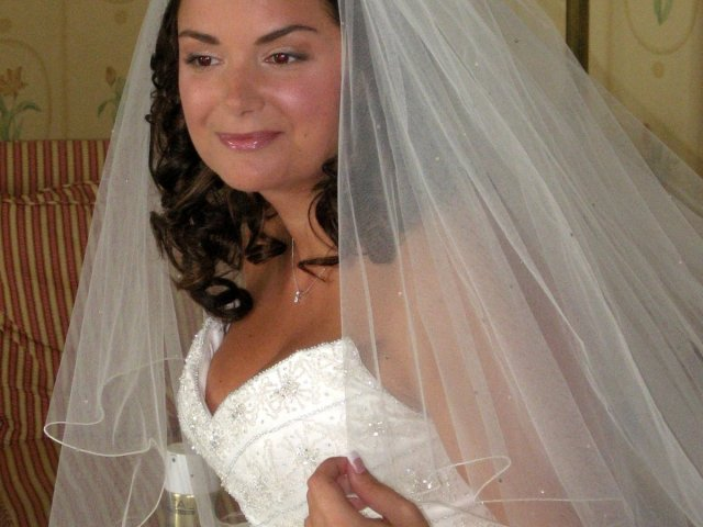 brides with veils - tips and ideas for your wedding hair with a