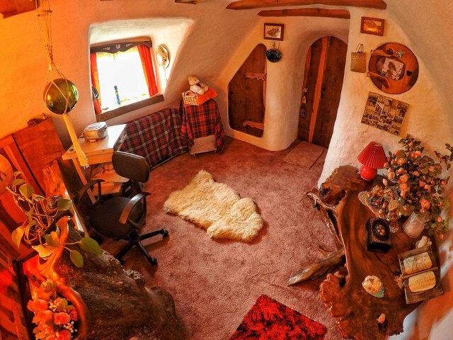 uncles-hobbit-house-10.jpg