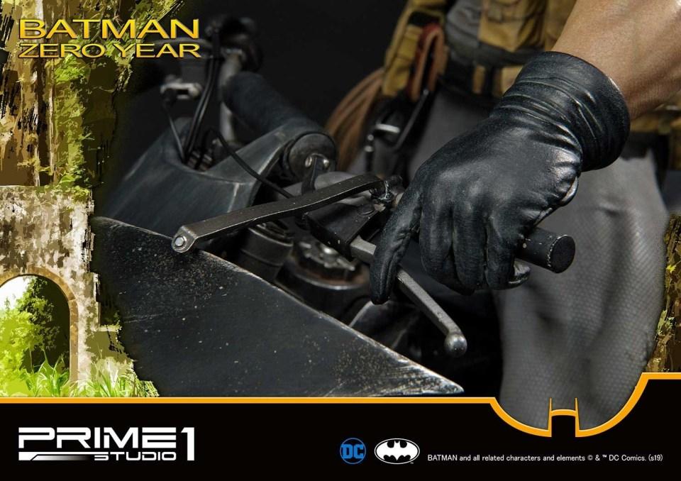 ummdc-01_batman_zeroyear_b21.jpg
