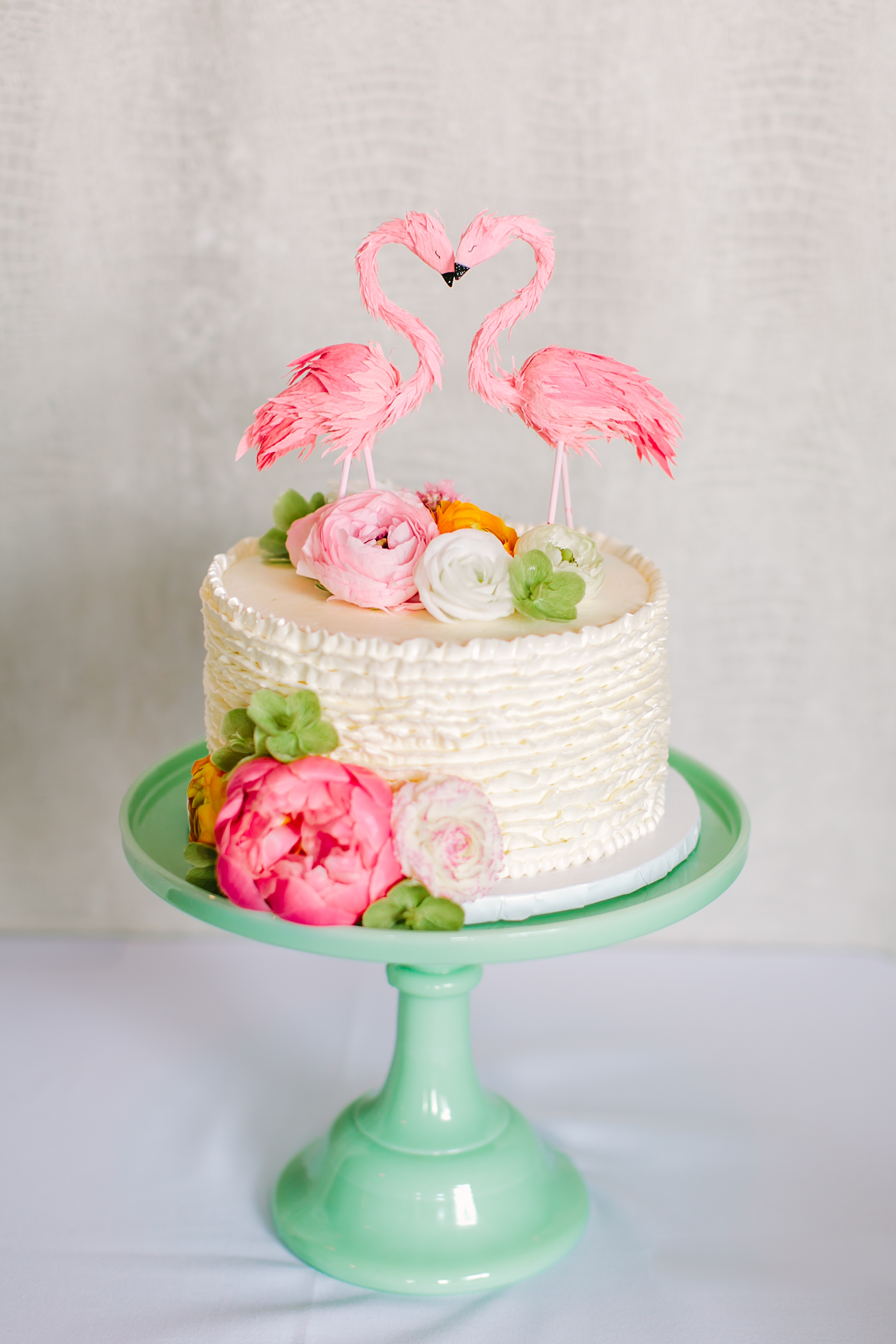 A Palm Springs Inspired Shoot With Gilded Lily Events