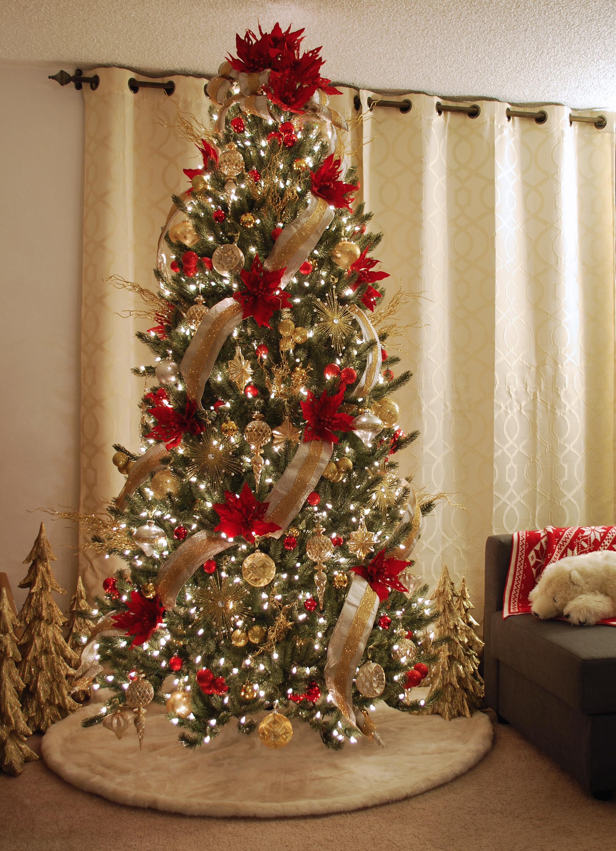 Tabletop Christmas Tree Decorating Set