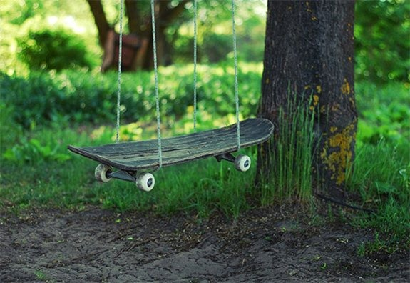 jaymug: Skateboard Swing As I previously stated, skateboard images are always cool.