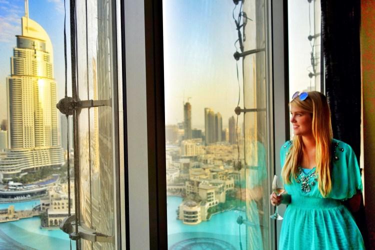 Inni í Burj Khalifa