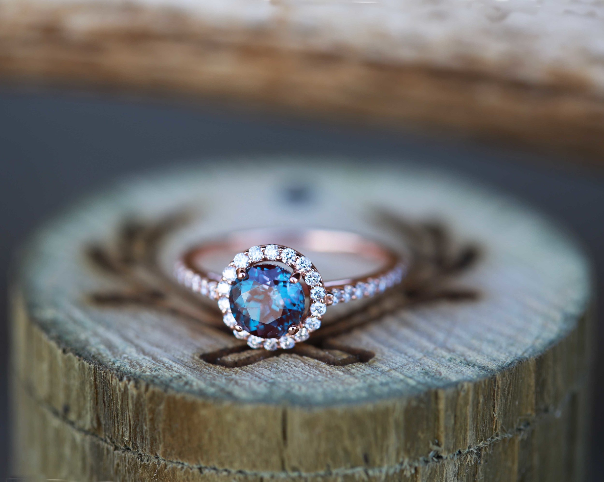 14K ROSE GOLD ENGAGEMENT RING WITH 38ctw ALEXANDRITE AND