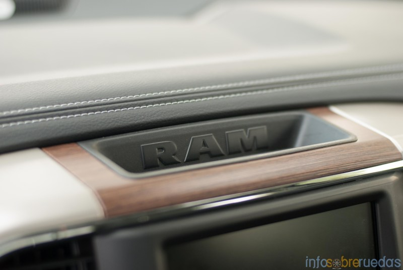 Test: RAM 1500 Laramie 5.7 V8 HEMI 105